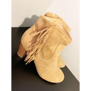 Camel suede size to heeled boots 3/$35